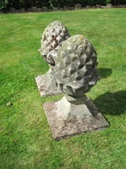 Image 4 - A pair of Weathered Stone Gate Pier Pineapple Finials