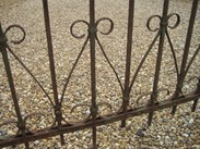 Image 4 - Run of Antique Reclaimed Wrought & Cast Iron Railings