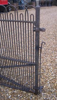 Image 3 - Antique Victorian Wrought Iron Single Estate Gate