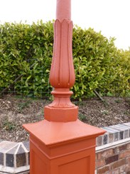Image 4 - Antique Cast Iron Lamp Post
