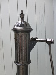 Image 5 - Antique Cast Iron Two Handled Water Pump