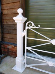 Image 2 - Antique Wrought Iron Estate Gate and Cast Iron Posts