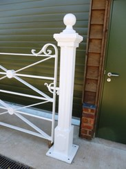 Image 3 - Antique Wrought Iron Estate Gate and Cast Iron Posts