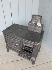Image 11 - Antique Reclaimed Kitchen Range or Stove