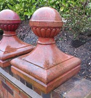 Side view of the finials: