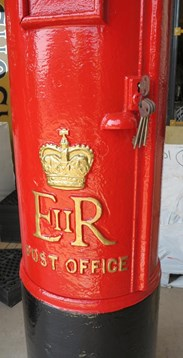 Royal Mail Cast Iron ER Pillar Box