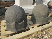 Image 4 - Pair of Hand Carved Arts & Crafts Gate Pier Finials