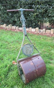 Image 4 - Antique Cast & Wrought Iron Garden Lawn Roller