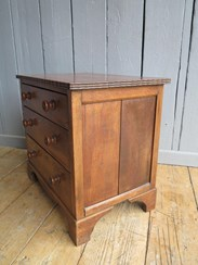 Image 5 - Solid Oak Three Drawer Side Cabinet/Chest