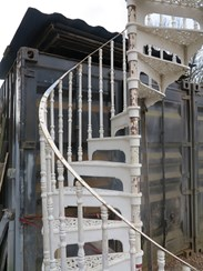 Cast Metal White Spiral Staircase with Balcony Railings