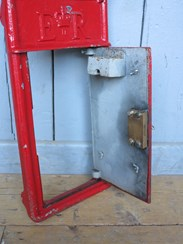 Image 3 - Royal Mail Red Post Office ER Post Box Cast Iron Front