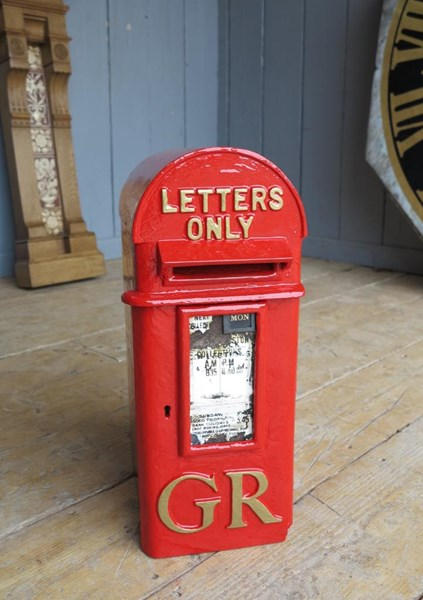 Royal Mail GR 'Hovis' Pole Mounted Post Box