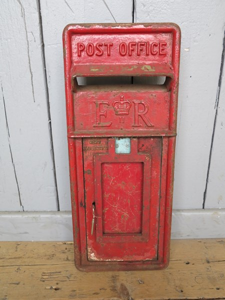 Original Red Post Office ER Post Box Front