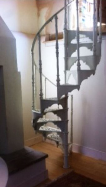Cast Iron Spiral Staircase with Landing Plate