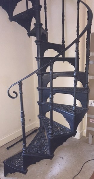 Cast Iron Black Spiral Staircase with Landing Plate