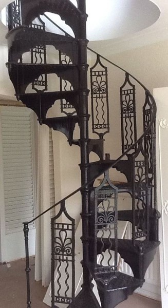 Cast Iron Black Decorative Spiral Staircase with Landing Plate
