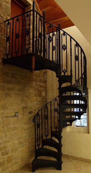 Cast Metal Black Spiral Staircase with Large Landing Plate