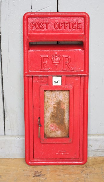 Cast Iron Royal Mail Red Post Office ER Post Box Front