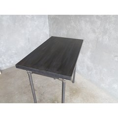Antique Finish Zinc Table With Metal Legs
