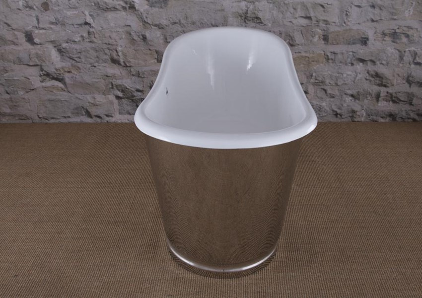 Steel Skirt Ribbed Plinth Mirror Polish Bath