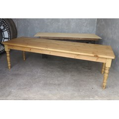 Plank Top Table With Waxed Turned Leg Base