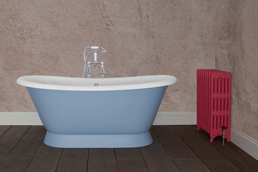 Montreal Cast Iron Jig Bath With A Painted Exterior