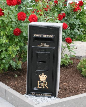 Royal Mail GR Post Box Cast Iron in Black Germany