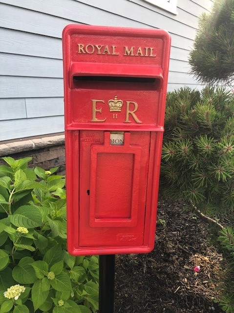 Antique Royal Mail post boxes and pillar boxes can be used in the USA to hold your own mail. Genuine antique British post boxes can be delivered worldwide