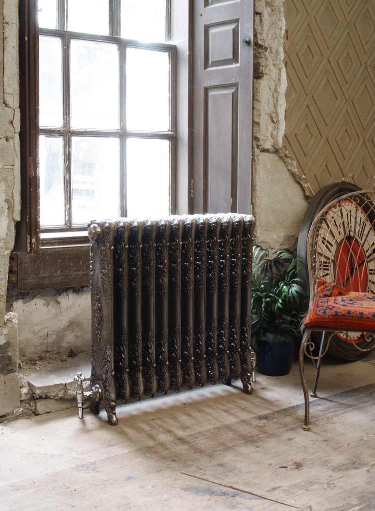 Cast Iron Verona Radiator made by Carron and Sold Worldwide by UKAA