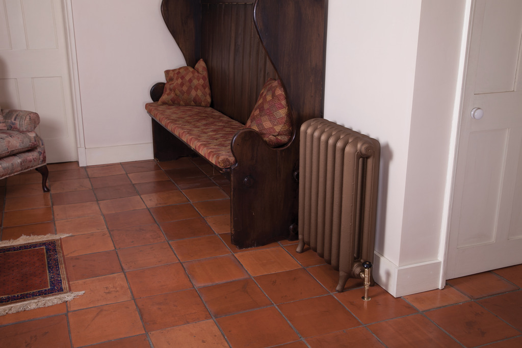 Cast Iron Peerless Radiator made by Carron and Sold Worldwide by UKAA