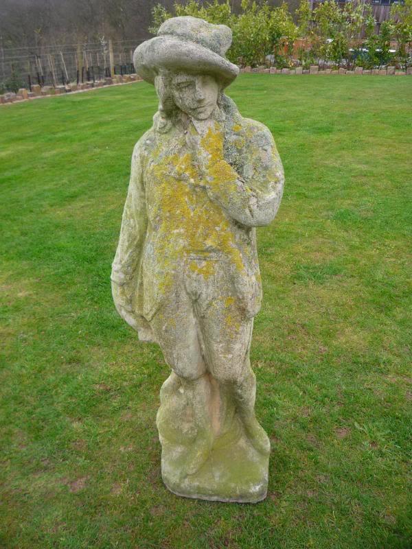 Old Garden Statue: Antique Garden Statue 3939