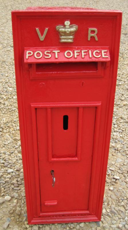 Red Royal Mail Antique Wall Mounted Victorian Vr Post Box 4424