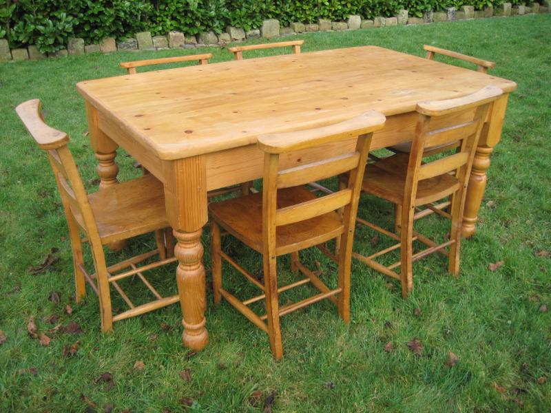Solid pine farmhouse table and 6 chairs 4885