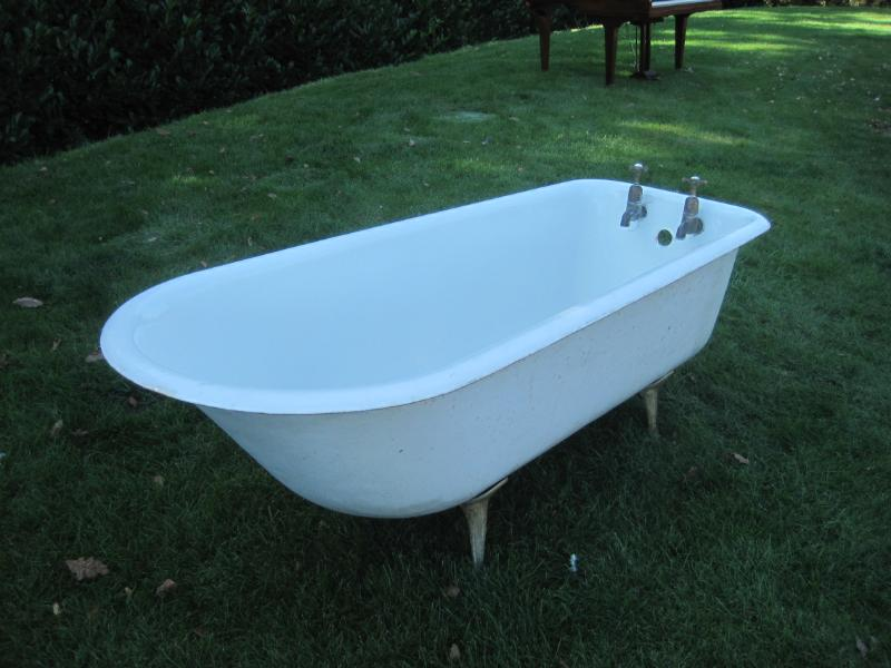Antique Original Salvaged Roll Top Cast Iron Bath,Salvage,architectural,reclamation,yard,baths,ukaa,cast iron roll top bath,cast iron,antique,bath,roll top,cast iron,