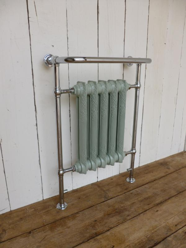 Carron Bathroom Towel Radiator<br>The radiator is sprayed French Grey