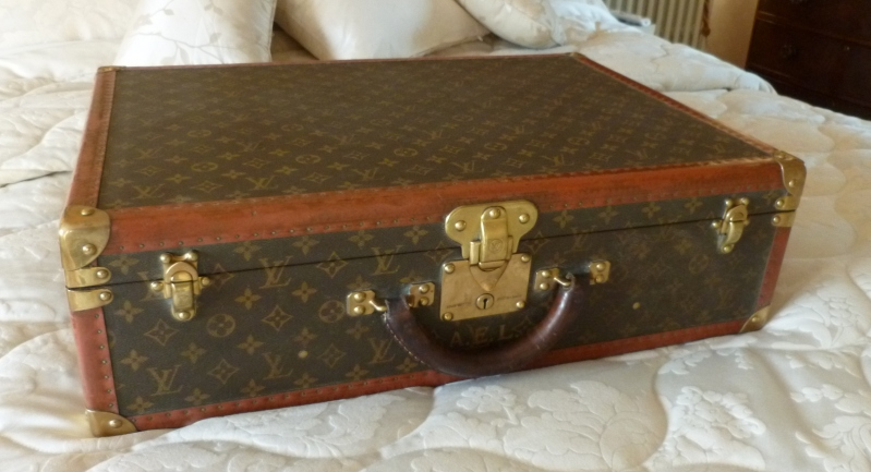 Original antique Victorian LV Louis Vuitton luggage, suitcases, trunks briefcases and vanity cases fully refurbished and ready for delivery worldwide