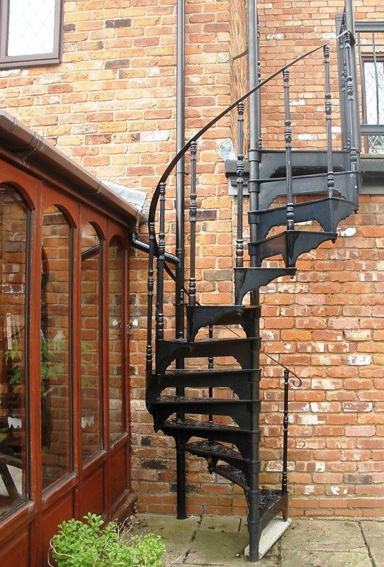Cast metal spiral staircase with balcony railings 6104 for Aluminum spiral staircase prices