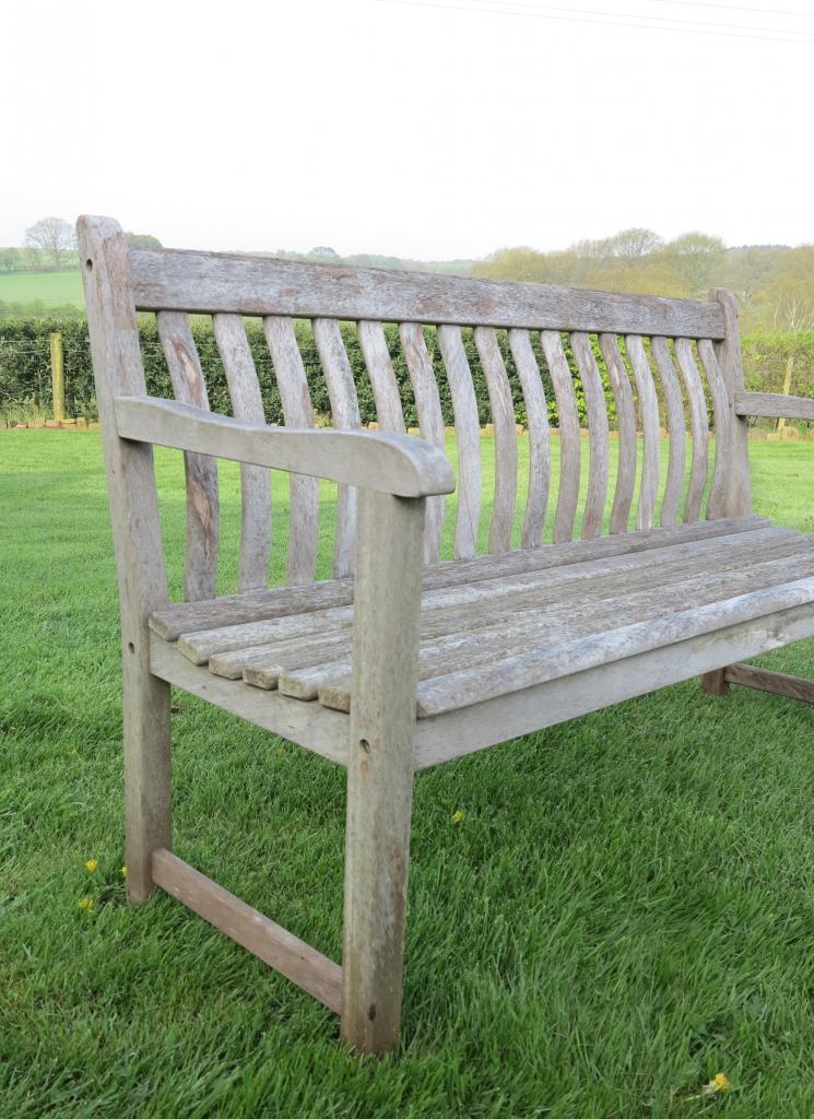 Vintage Teak Bow Back Garden Bench 7325