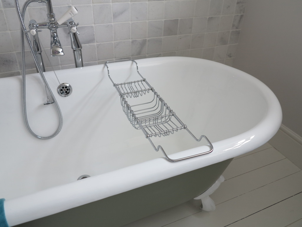 Victorian solid brass chrome plated bath accessories holder 7827 for Chrome plated brass bathroom accessories