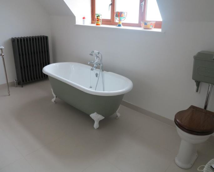 Hurlingham double ended roll top enamelled cast iron bath painted In your colour choice and available for delivery worldwide
