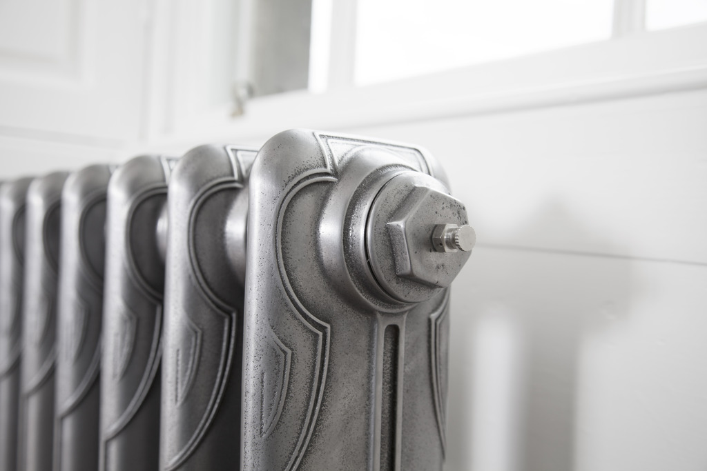 Cast Iron 1 Column Liberty Radiator made by Carron and Sold Worldwide by UKAA