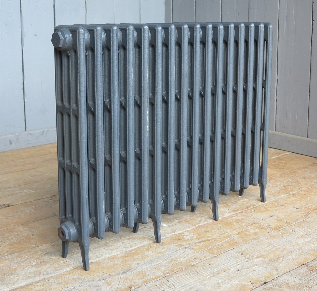 carron cast iron column Victorian radiators to go in a primer finish ready for collection or next day delivery they are reproduction new radiators with a life time warranty