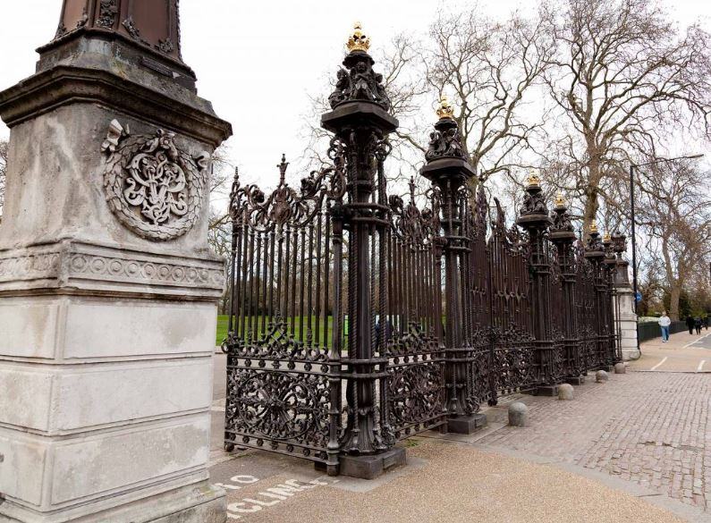 Original gates at Hyde park in London made by coalbrookdale foundry
