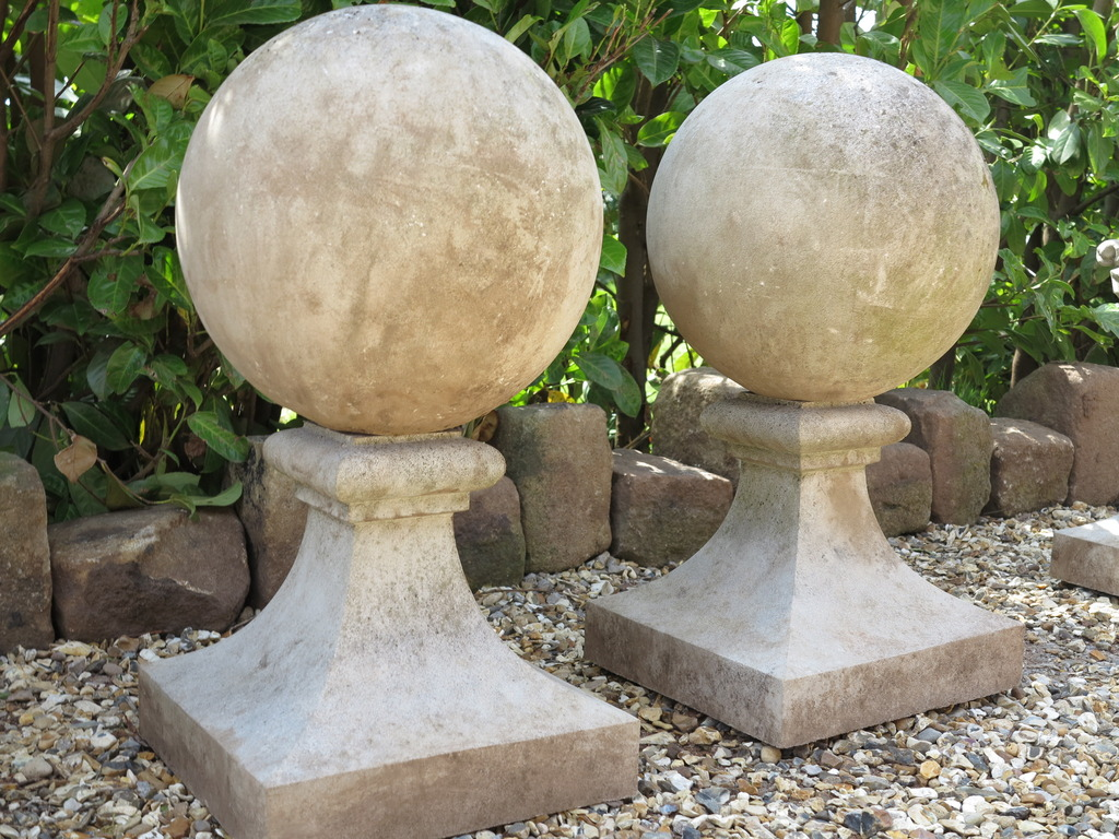 Traditional vintage style reconstituted stone gate finials or pier cappings ideal for driveway and entrance gates.