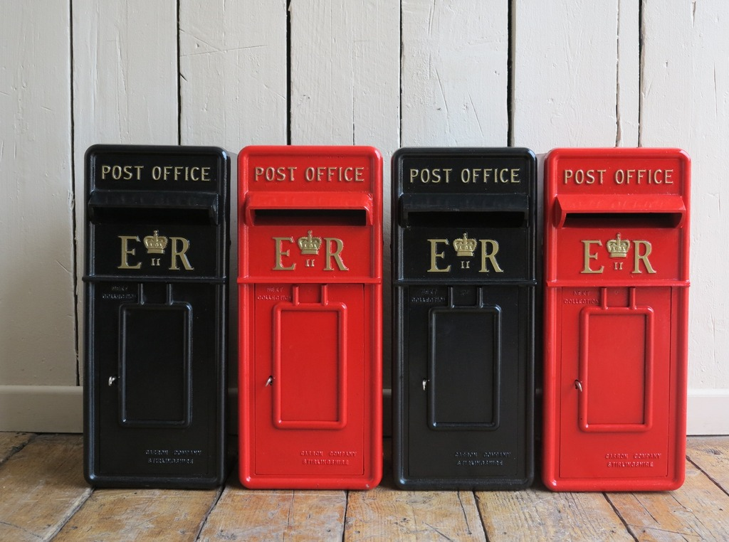 UKAA can supply reproduction ER11 Royal Mail post poxes painted in the colour of your choice and delivered within mainland UK for £25