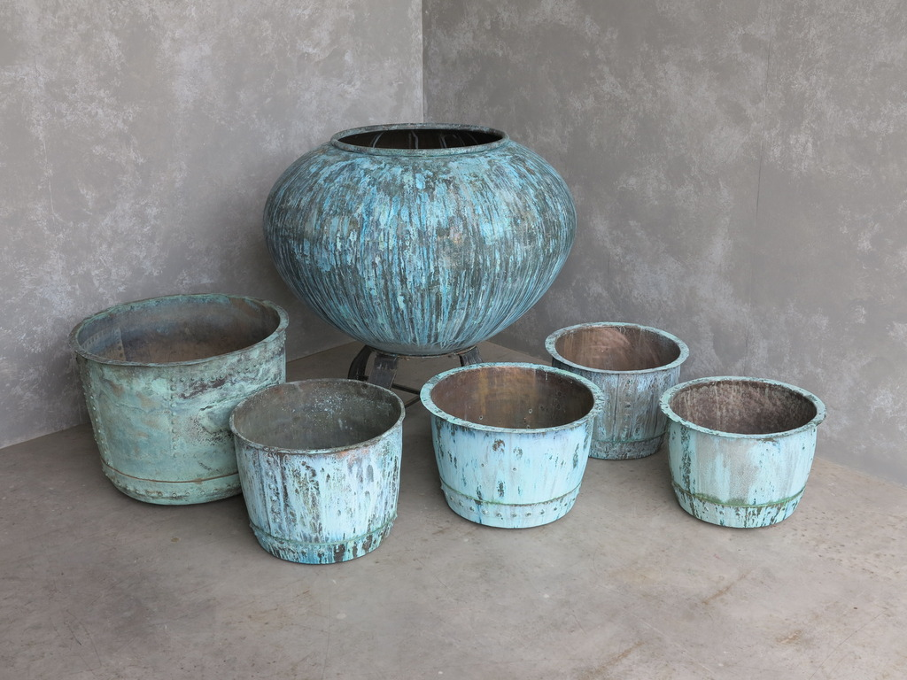 At UKAA we have a range of antique copper pots and other vintage garden containers which come in a variety of materials such as cast iron, terracotta, stone and reconstituted stone