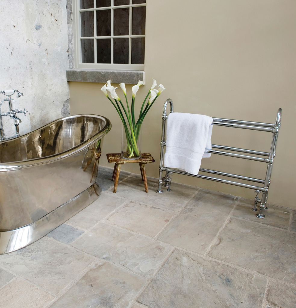 The Carron QSS028 Ermine Chrome Towel rails are made by Carron and are available for a next day delivery