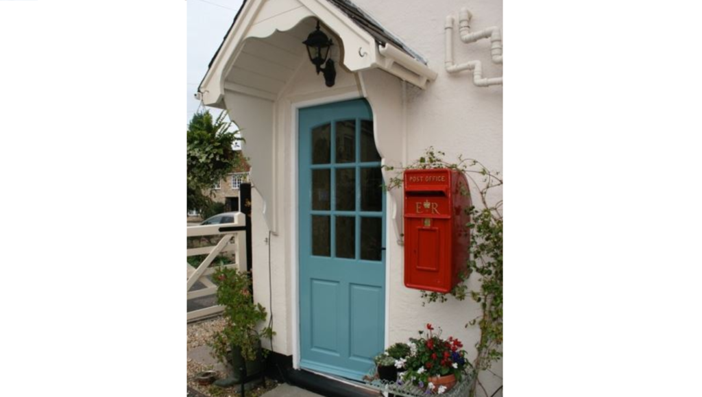 At UKAA we sell traditional Royal Mail post boxes. These boxes come with or without a pole and can be painted in the colour of your choice