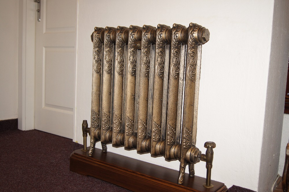 UKAA supply Carron cast iron radiators. These Victorian style radiators are bespoke made to our customers requirements and come in a selection of styles and finishes. Order today to ensure your pre Christmas delivery